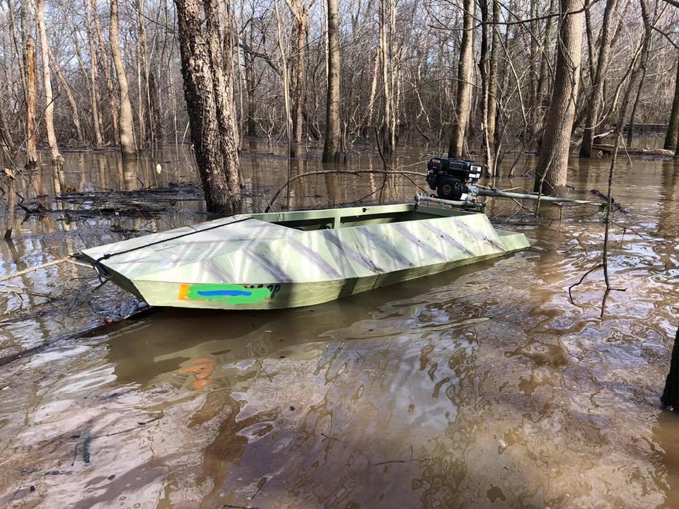 Aluminum Layout Boat.JPG