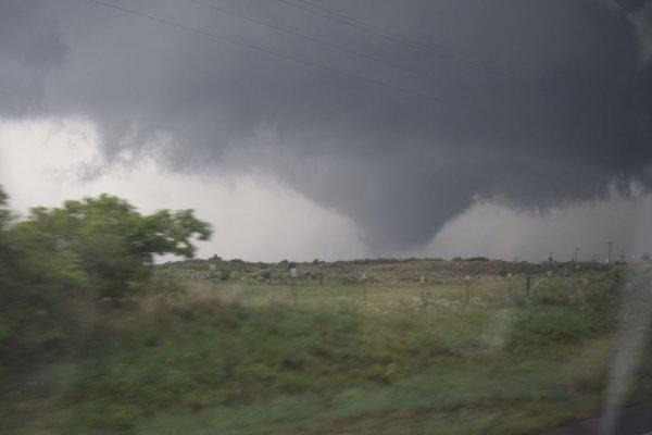 Wedge tornado near Chester, Ok (13)_rev.jpg
