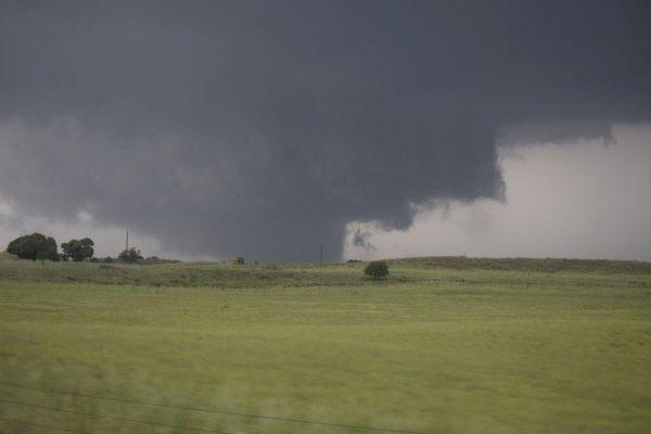 Wedge tornado near Chester, Ok (2)_rev.jpg